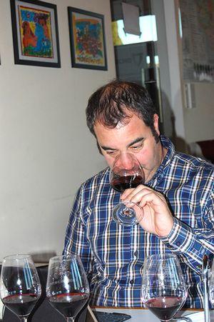 Yohan Castaing déguste le millésime 2014
